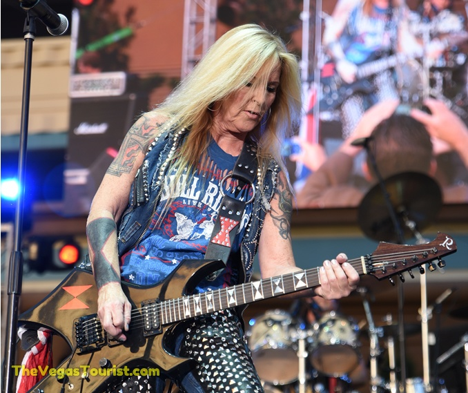 Lita Ford rocks Toshiba Plaza